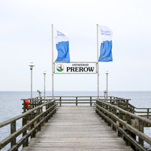 Seebrücke von Prerow. Ferienwohnung mieten im Ostseebad Prerow auf der Habinsel Fischland-Darss-Zingst. Urlaub an der Ostsee. Bild: Sebastian Lehmann - L-S-Photographie.de