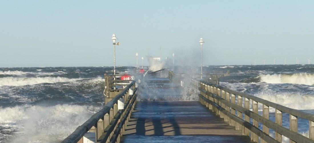 Sturm an der Seebrücke